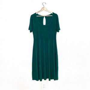 TORRID emerald green knit short sleeve midi dress